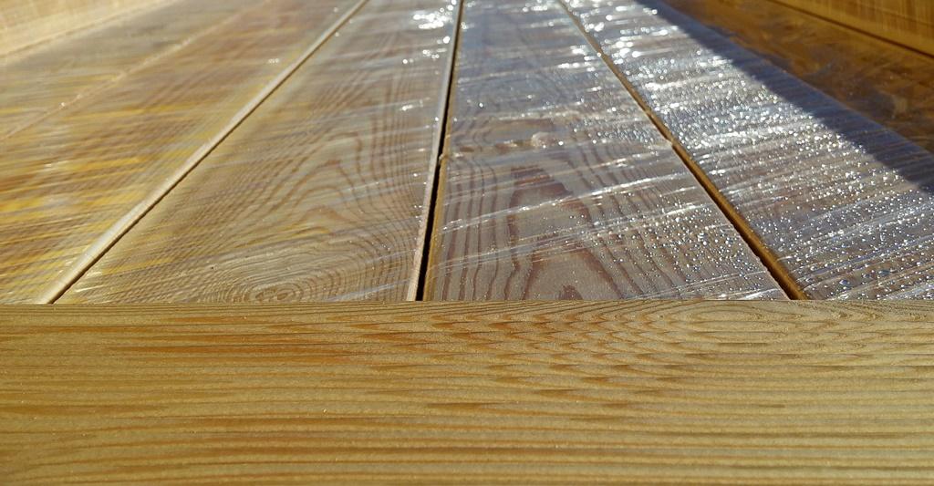 Listelli Larice per pavimento esterno